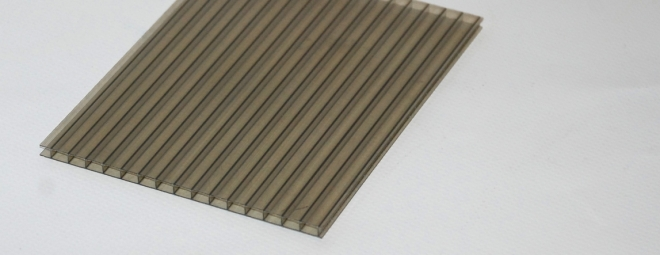 Üregkamrás bronz polikarbonát lemez - Illusztráció